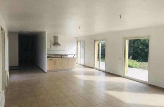 VILLA 4 Ch 135 m² Habitables sur 850 m² de terrain